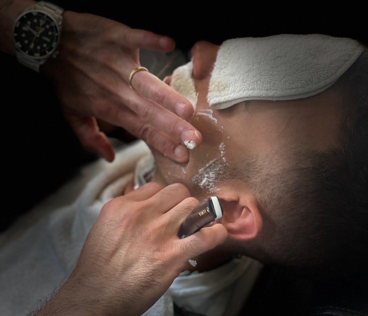 Rasatura completa - wet shave santabarba barber club